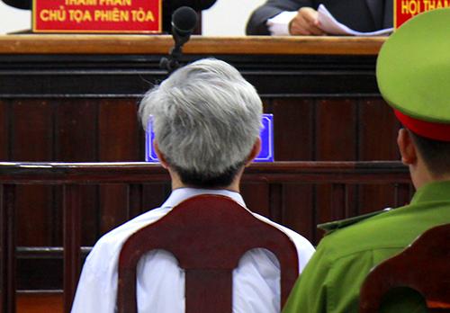 Ông lão dâm ô nhiều bé gái ở Vũng Tàu lĩnh 3 năm tù: Hình phạt này có quá nhẹ?