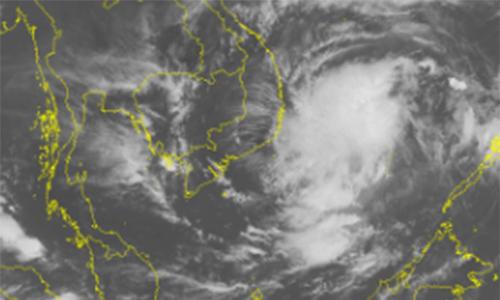Bão kết hợp không khí lạnh gây mưa kéo dài ở miền Trung
