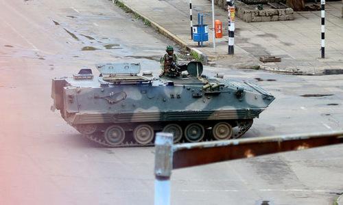 Zimbabwe tuyên bố cuộc binh biến khiến Mugabe từ chức là hợp pháp