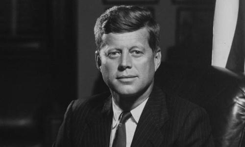 """""""Sát thủ vô hình"""" đày đọa cuộc đời Jonh F. Kennedy"""