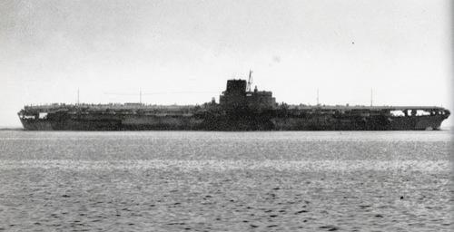 tran-chien-tau-ngam-my-ha-sieu-tau-san-bay-nhat-nam-1944