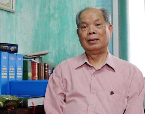 Phó giáo sư Bùi Hiền 40 năm nghiên cứu cải tiến chữ quốc ngữ, quyết làm đến khi nào 'nhắm mắt mới thôi'
