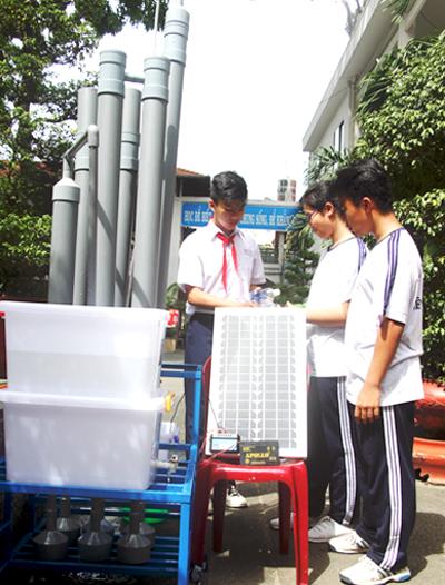 Học sinh lớp 9 biến nước thải máy lạnh thành nước uống