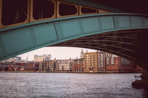 London Tháng 12 - 8