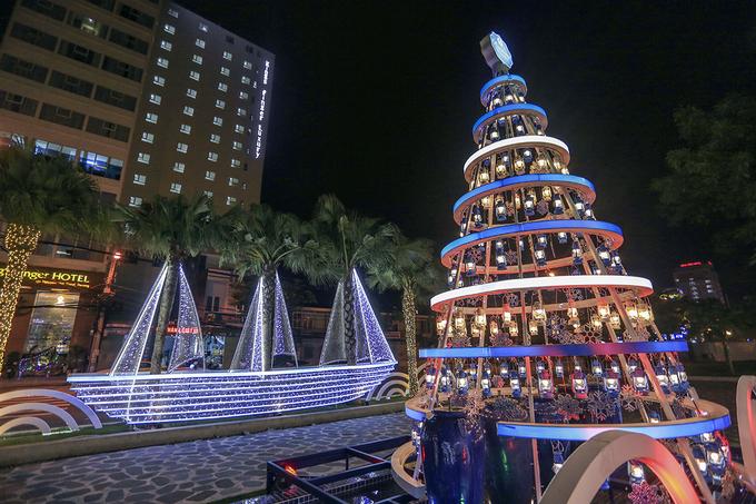 Đà Nẵng tràn ngập không khí Noel