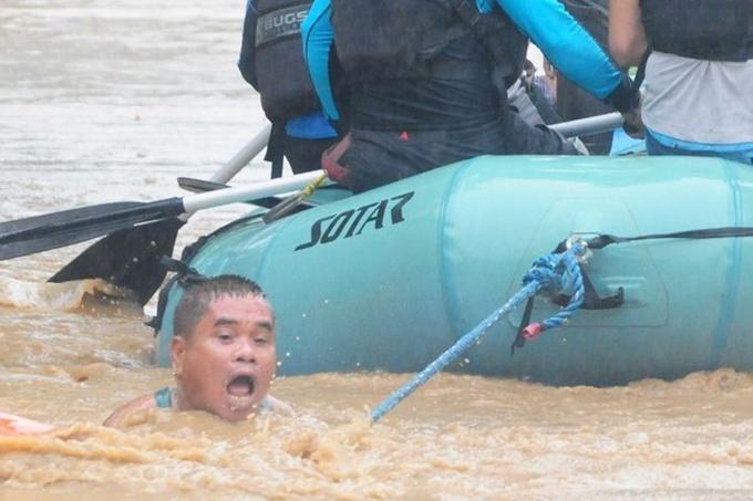 Gần 200 người Philippines thiệt mạng vì bão Tembin