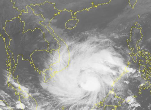 Ảnh mây vệ tinh bão Tembin lúc 17h ngày 24/12. Nguồn: NCHMF.