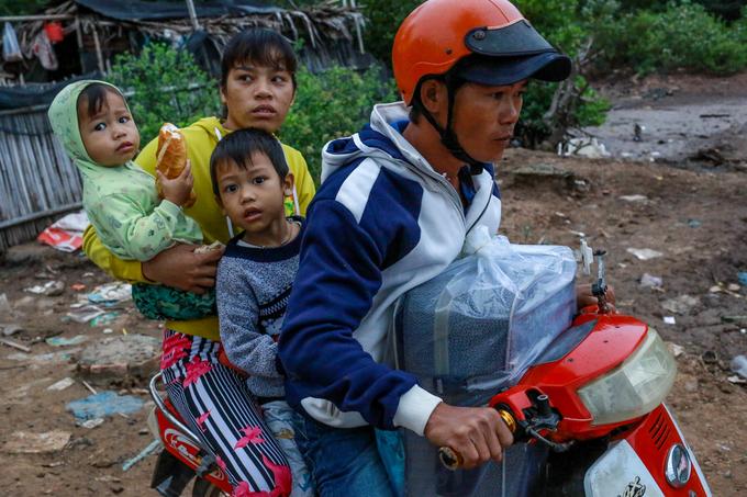 Hơn 350.000 dân Bạc Liêu chạy bão Tembin