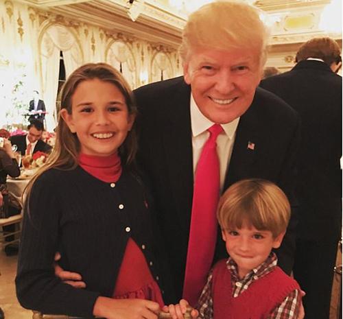 Ông Trump cùng hai cháu nội. Ảnh: Instagram