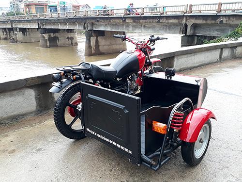 Honda Wave độ dáng sidecar cho người khuyết tật ở Đăk Lăk.