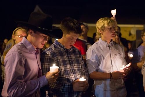 Lễ cầu nguyện sau vụ xả súng nhà thờ ở bang Texas hồi tháng 11. Ảnh: AFP.