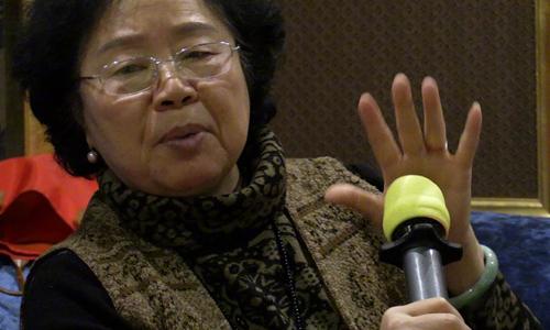 Những người già Trung Quốc luyện karaoke thay Thái Cực Quyền