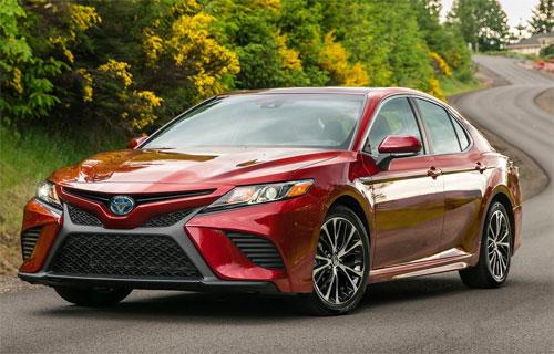 Camry mang lại chiến thắng cho Toyota ở phân khúc sedan cỡ trung.