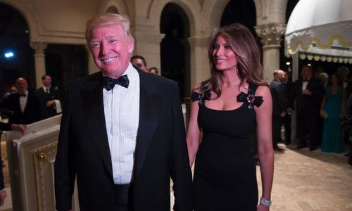 Giá vé tiệc mừng năm mới của ông Trump tăng vọt