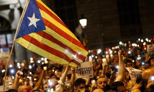 Tây Ban Nha mất 1,2 tỷ USD vì khủng hoảng Catalonia