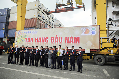 Cảng Đà Nẵng đạt mục tiêu đạt sản lượng 8,5 triệu tấn trong năm 2018. Ảnh: Nguyễn Đông.