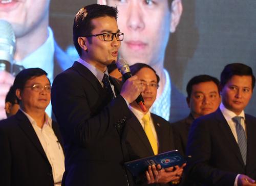 PGS Trần Xuân Bách chia sẻ tại buổi lễ. Ảnh: Võ Hải.