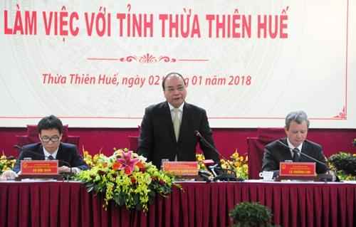 Thủ tướng Nguyễn Xuân Phúc làm việc với UBND tỉnh Thừa Thiên Huế. Ảnh: Ngọc Minh.