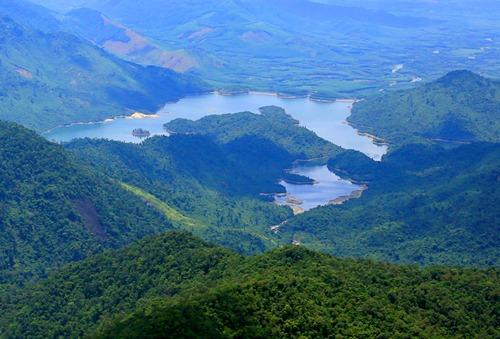 Thủ tướng đồng ý chủ trương xây dựng cáp treo ở vườn Quốc gia Bạch Mã. Ảnh: Võ Thạnh.