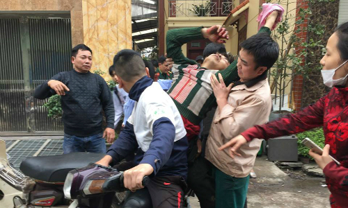 Người đàn ông nát tay vì đầu đạn tiếp tục nổ ở Bắc Ninh