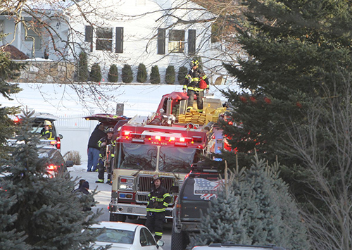 Lính cứu hỏa tại nhàcủa ông bà Clintonởkhu Chappaqua, bang New York.