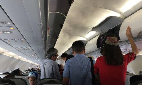 Đánh tiếp viên hàng không, nam hành khách bị phạt 15 triệu đồng