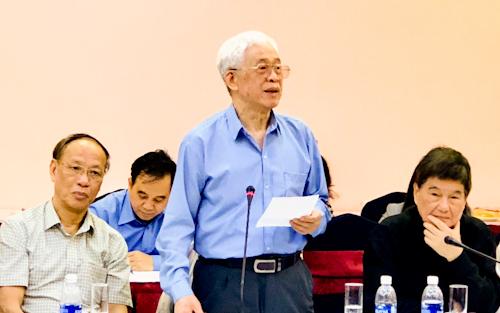 Ông Lù Văn Que nói về thảo luận về chống tham nhũng, lãng phí. Ảnh: Tuyết Nguyễn.
