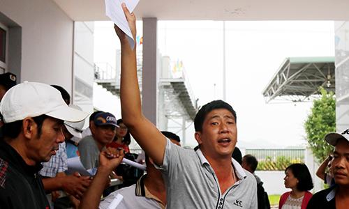 Lãnh đạo trạm BOT ở Khánh Hòa đối thoại với hơn 100 tài xế