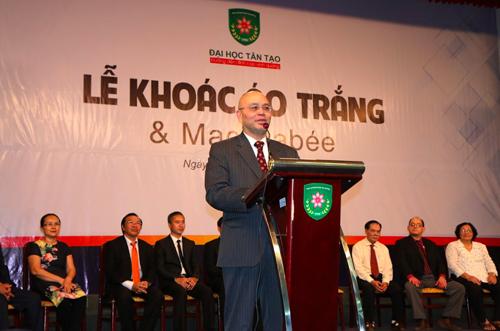 GS. Thạch Nguyễn (Quyền Hiệu trưởng Trường ĐH Tân Tạo, Chủ tịch Hội đồng Ban Giám khảo cuộc thi )