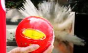 Quả bóng dập tắt đám cháy trong 3 giây