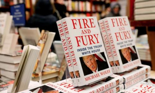 Tác giả dự đoán sách gây tranh cãi có thể hạ bệ Trump