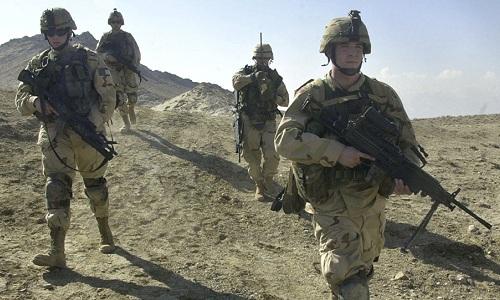 Binh sĩ Mỹ tuần tra tại Afghanistan. Ảnh: AP.