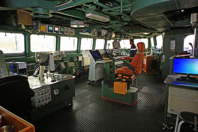 Bên trong tàu chiến Pháp duy nhất có nữ hạm trưởng