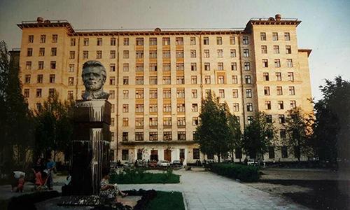 Ốp chợ Saliut - mồ hôi và nước mắt một thời của người Việt ở Nga
