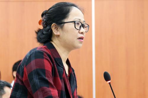 Bà Lê Huyền Ái Mỹ, TBT báo Phụ nữ thành phố nêu vấn đề báo chí quan tâm. Ảnh: Thiên Ngôn