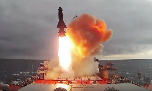 Màn trình diễn hỏa lực của hạm đội mạnh nhất nước Nga