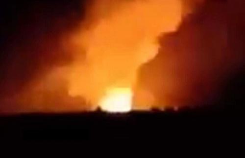 Hình ảnh vụ nổ cắt từ video do người dân quay lại.