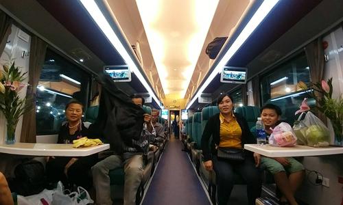 """Đường sắt Việt Nam khai trương thêm sáu đoàn tàu """"5 sao"""""""
