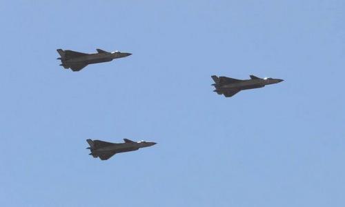 Tiêm kích tàng hình J-20 Trung Quốc lần đầu tham gia diễn tập