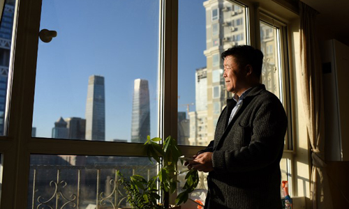 Trời Bắc Kinh trong xanh, dân mừng lo lẫn lộn - ảnh 1