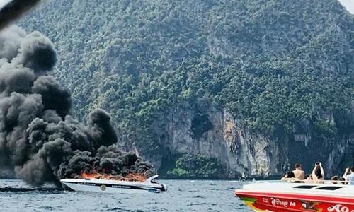 Nổ xuồng chở khách Trung Quốc ở Thái Lan, 16 người bị thương