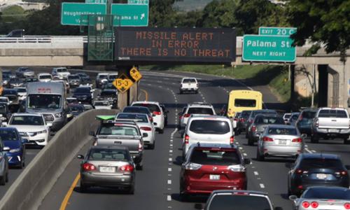 38 phút nghẹt thở ở Hawaii sau báo động tên lửa giả