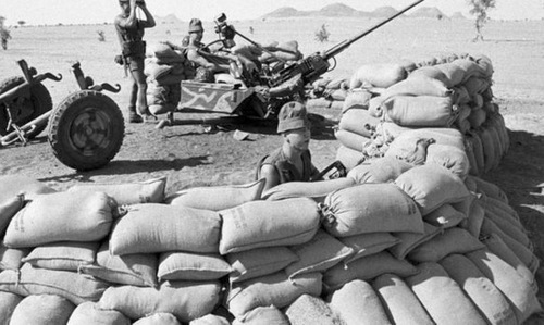 """""""Đội quân ma"""" khiến trung đoàn lê dương Pháp hoang mang năm 1986"""