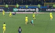 Trọng tài trận PSG đá nguội, rồi rút thẻ đỏ đuổi cầu thủ