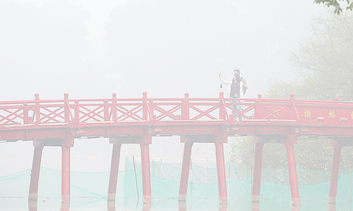 Hà Nội chìm trong sương mù