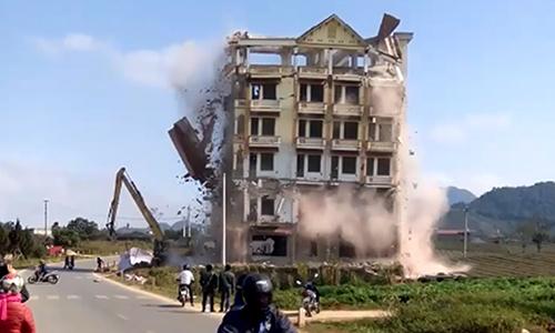 """Tòa nhà 7 tầng của trùm ma túy Tàng """"KeangNam"""" bị phá dỡ"""