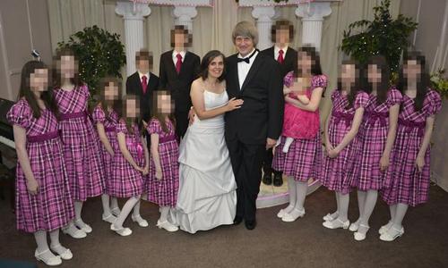 Cuộc trốn chạy khỏi ngôi nhà bố mẹ giam cầm 13 con