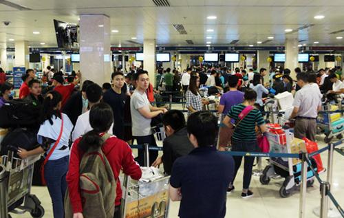 Dịp Tết Nguyên đán năm nay Tân Sơn Nhất đón 4,1 triệu lượt hành khách. Ảnh: Hữu Công