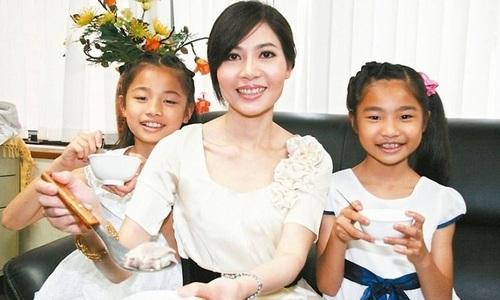 """Người phụ nữ Việt nổi tiếng khắp Đài Loan qua phóng sự """"canh đầu chó"""""""