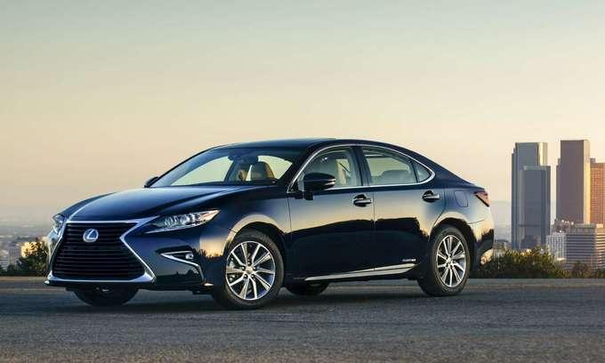 Top 10 xe sang bán chạy tại Mỹ năm 2017